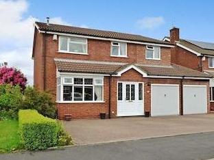 Waveney Grove, Clayton, Newcastle-under-lyme St5