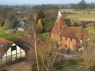 Manor Farm Oast, Love Lane, Headcorn, Kent Tn27