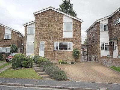 Hargreaves Road, Royston, Sg8 - Patio