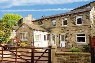 Thirstin Road, Honley, Holmfirth, West Yorkshire, Hd9