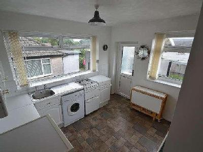 House to let, Heol Uchaf - Garden