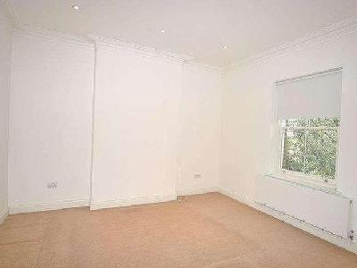 House to rent, Clifton Road - Modern