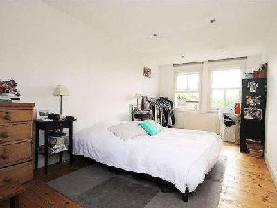 House to let, Bramley Road - Garden