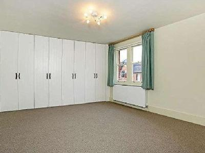House to let, Haven Lane - Reception