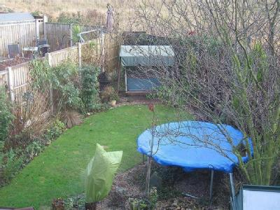 House to rent, Acorn Avenue - Garden