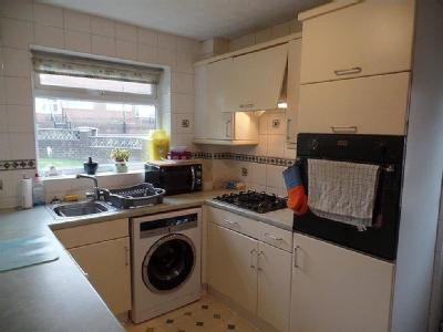 House to let, Torry Court - Garden