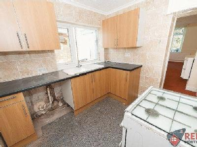 House to let, Good Street - Furnished