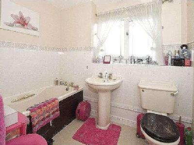 House for sale, The Stewponey