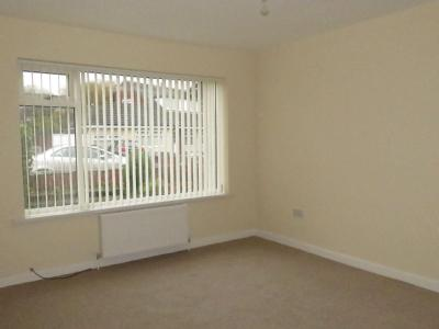 House to let, Tarnway Avenue - Modern