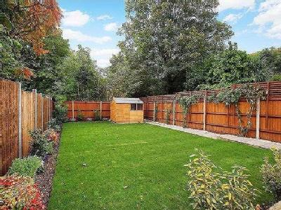 Ellerman Avenue - Detached, Garden