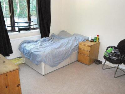 House to let, Reading Road
