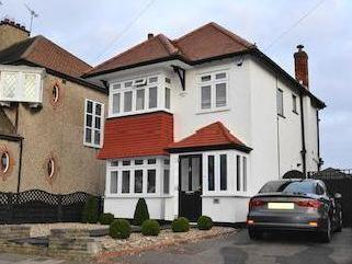 Medway Crescent, Leigh-on-sea, Essex Ss9