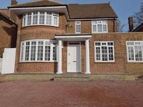 St Mary's Avenue N3 - Detached