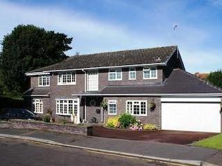 New Lodge Drive, Oxted Rh8 - Garden