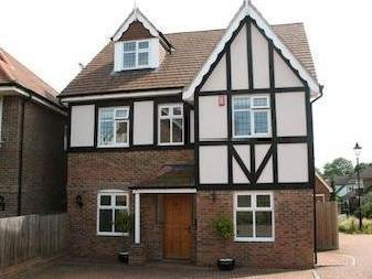 Fauna Close, Stanmore, Middlesex Ha7