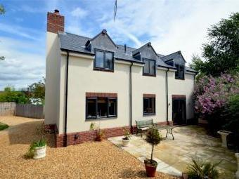 Gloucester Road, Stonehouse, Gloucestershire Gl10