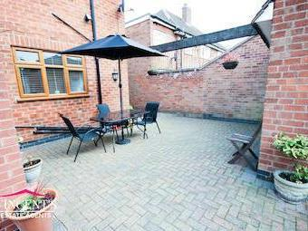 Glenfield Road, Leicester Le3 - Patio