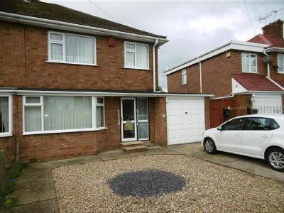 Dorton Avenue, Gainsborough, Dn21