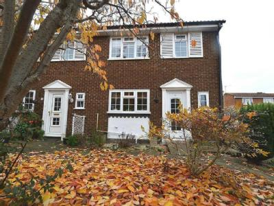 House for sale, Elm Way, N11 - Patio