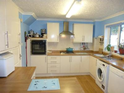 House for sale, Westhays Close - Lift