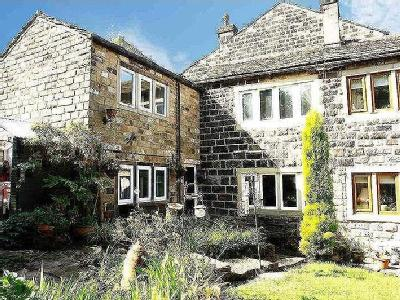Shaws, Uppermill, Ol3 - Cottage