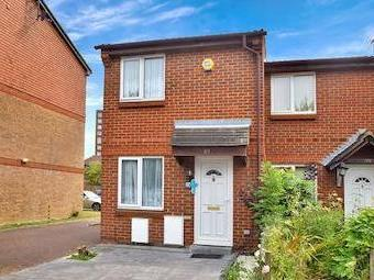 Clivesdale Drive, Hayes Ub3 - Terrace