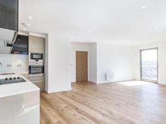 Bywell Place E16 - Wood Floor, Modern
