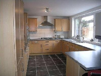 Staines Road West, Ashford, Tw15