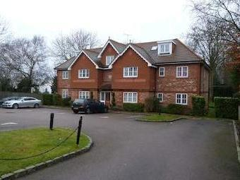 Highdown Close, Banstead Sm7 - Modern