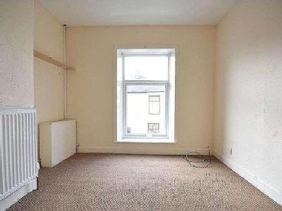 Flat to let, Derby Street