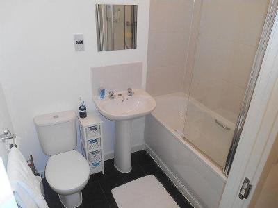 Flat to rent, Dorney Place - Modern