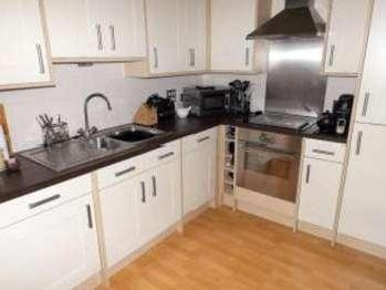 Flat for sale, Rotary Way - En Suite