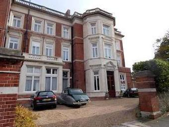 Meads Road, Eastbourne Bn20 - Listed