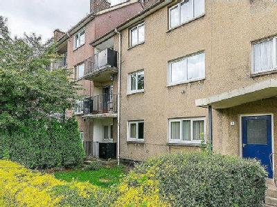 Essendean Place, Edinburgh, Eh4