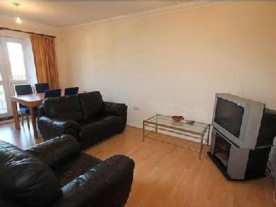 2.0 bedroom flat to rent - Reception