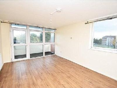 2.0 bedroom flat to let - Balcony
