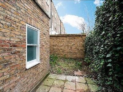 2.0 bedroom flat for sale - Patio