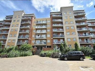 2.0 bedroom flat for sale - Balcony