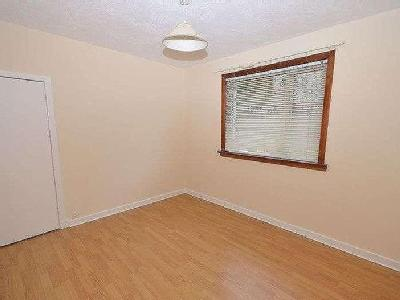 Flat to let, Kingsway - Fireplace