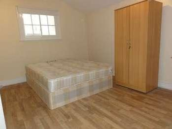 Flat to let, Ilford Hill - Wood Floor