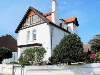 Manor Way, Lee-on-the-solent Po13
