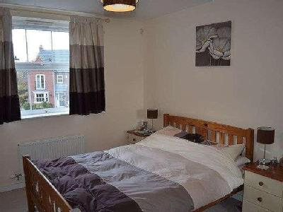 Greenfinch Crescent - Double Bedroom