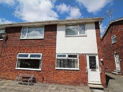 Flat for sale, Red Lion Close