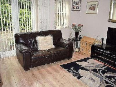Flat for sale, Tailors Lane - Garden