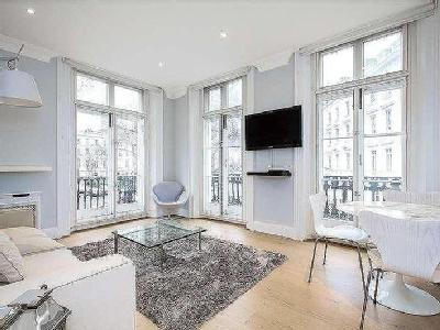 Flat 39 St Georges Square - Modern