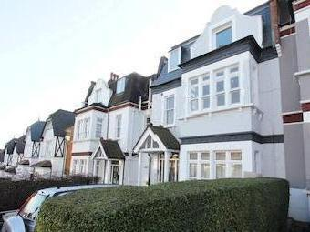 Onslow Gardens, Muswell Hill N10