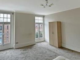 Finchley Road Nw3 - High Ceilings