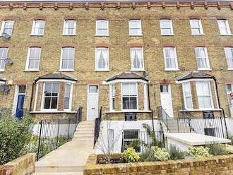 Byrne Road Sw12 - Leasehold, Patio