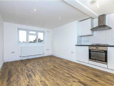 South Ealing Road - Double Bedroom