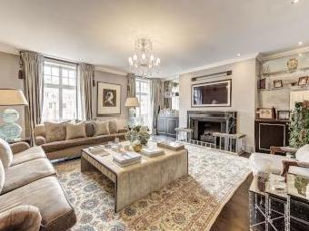 Kensington Court W8 - High Ceilings